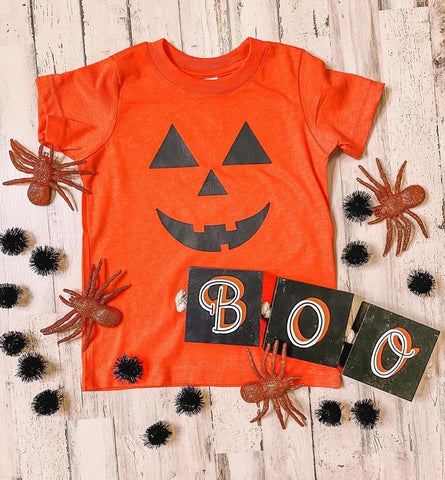 Youth Unisex Pumpkin Face Graphic Tee In Orange