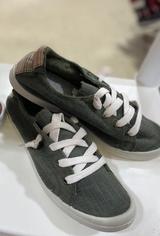 Lace Up In Sneakers In Olive - M & H
