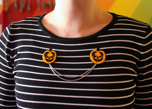 Moon o Lantern Collar Clips