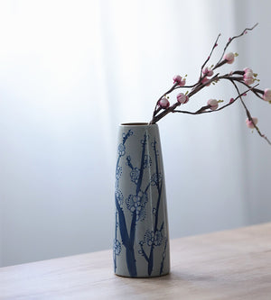 色 - Chinese blue and white porcelain hand-painted vase