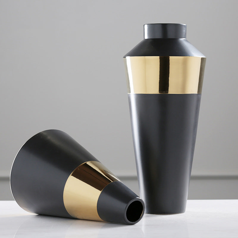 Nordic  black gold circle ceramic vase