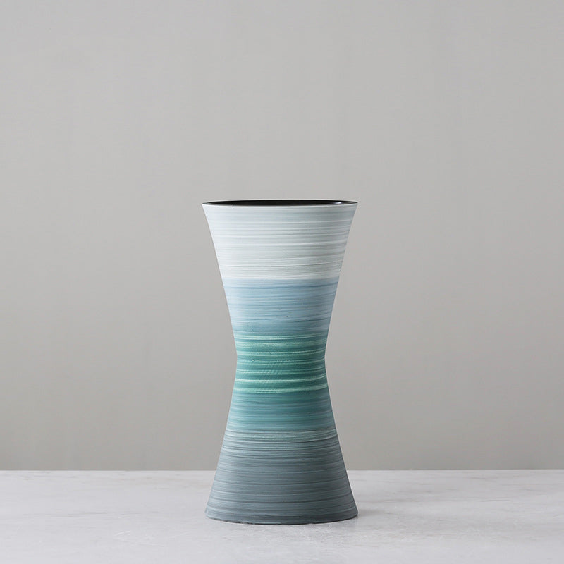 Large-caliber hand-painted ceramic vase