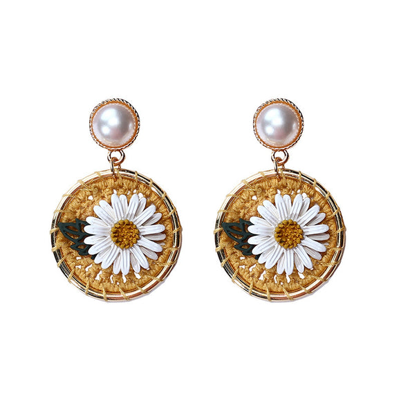 Steel Needle Imitation Pearl Daisy Flower Circle Earing Earings