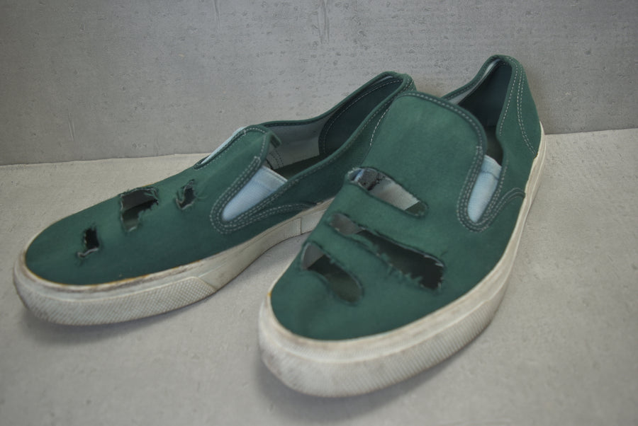COMME des GARCONS HOMME / Damaged slip-on sneakers