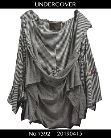 UNDERCOVER / 《T》 T-shirt Attached Border Poncho / 7392 - 0415 135.5