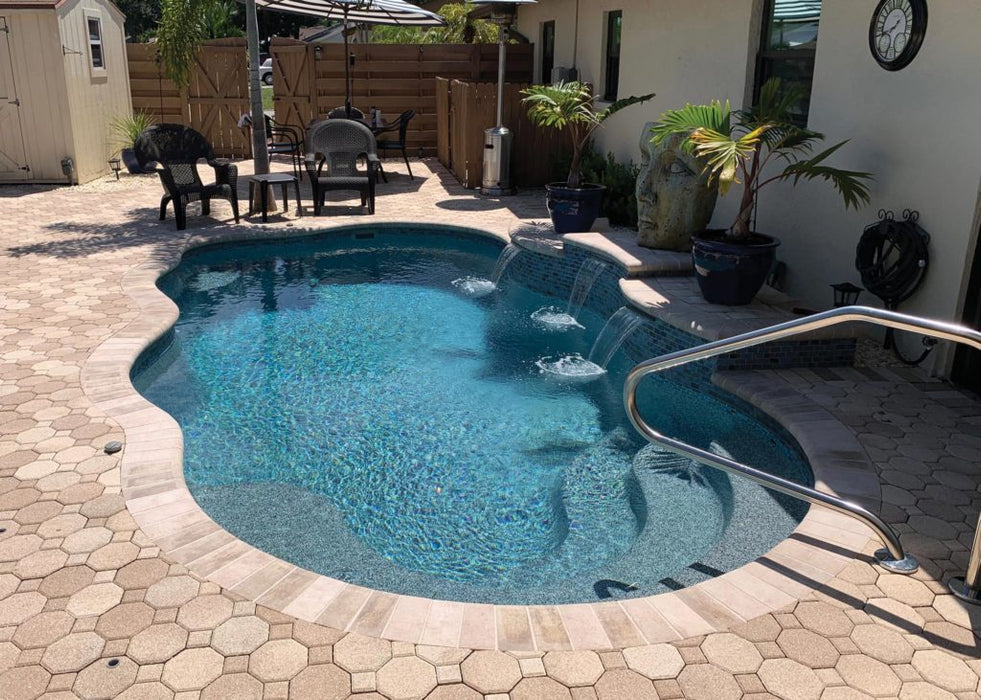Aruba Natural Fiberglass Pool with water feature