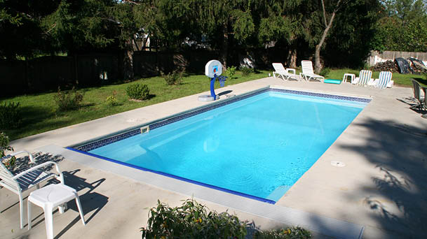 St. Thomas Rectangle Fiberglass Pool