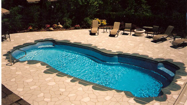 Gulf Shore Freeform Fiberglass Pool