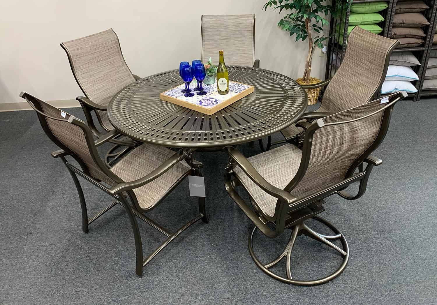 Ravello Sling Patio Dining Set in Knoxville TN