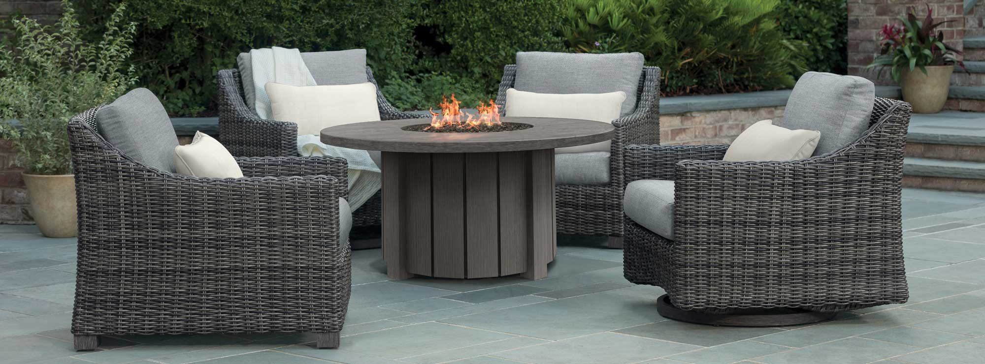 Avallon Outdoor Fire Chat Set by Ebel Banner