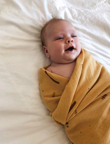 ORGANIC COTTON SWADDLE - GOLDENROD