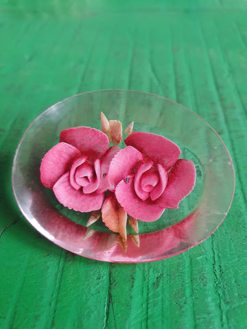 1950s LUCITE REVERSE CARVED BLUSH PINK DRIED FLOWERS BROOCH