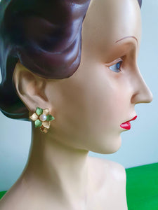 1960s PEARL AND FLOWERS CLIP ON EARRINGS