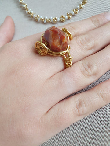 VINTAGE GOLD RING WITH STONE