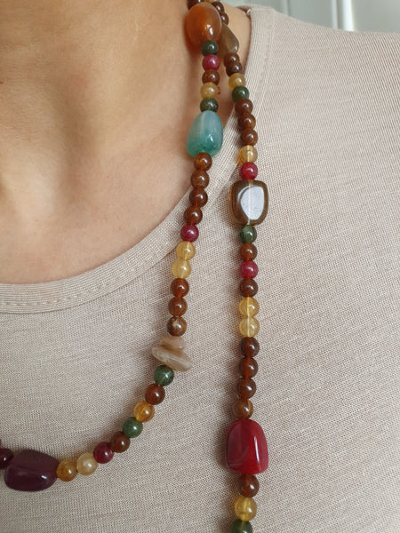 BURGUNDY BEADED LONG NECKLACE
