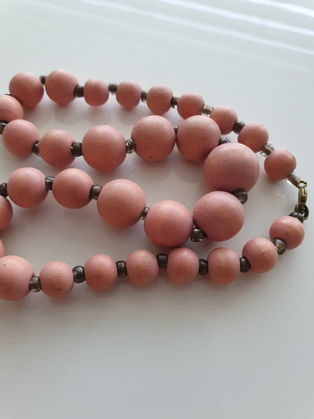 DUSKY PINK BEADS NECKLACE