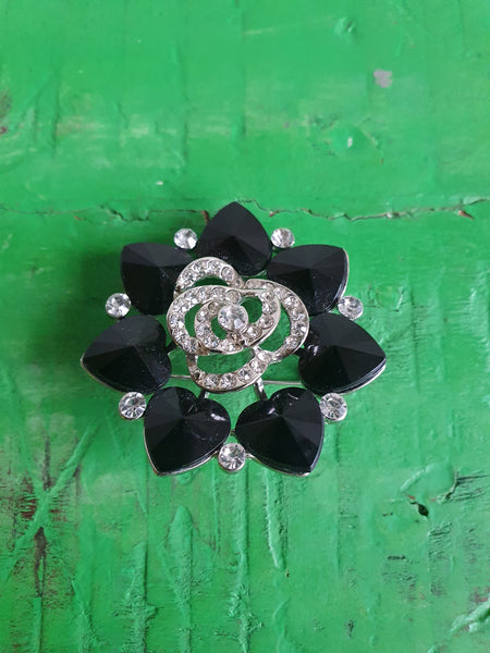 LARGE BLACK HEARTS BROOCH WITH DIAMANTES