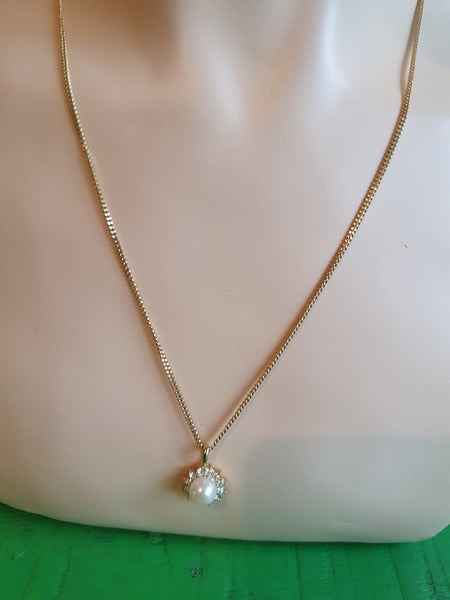 VINTAGE GOLD NECKLACE WITH PEARL PENDANT