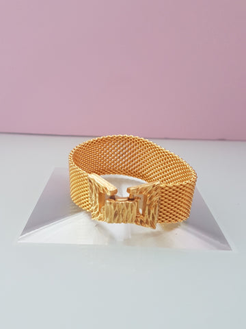 Large gold bow bracelet