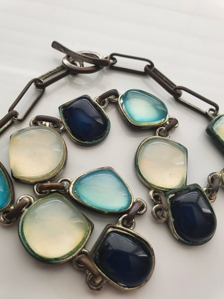 CHUNKY BLUES AND CREAM PENDANTS NECKLACE