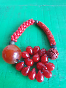 ANTIQUE CHINESE LARGE RED BEAD AND CINNABAR BRACELET