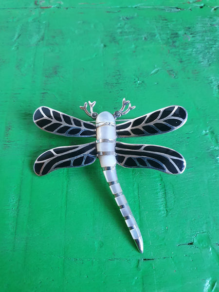 DRAGONFLY BROOCH IN SOLID SILVER WITH MOTHER OF PEARL