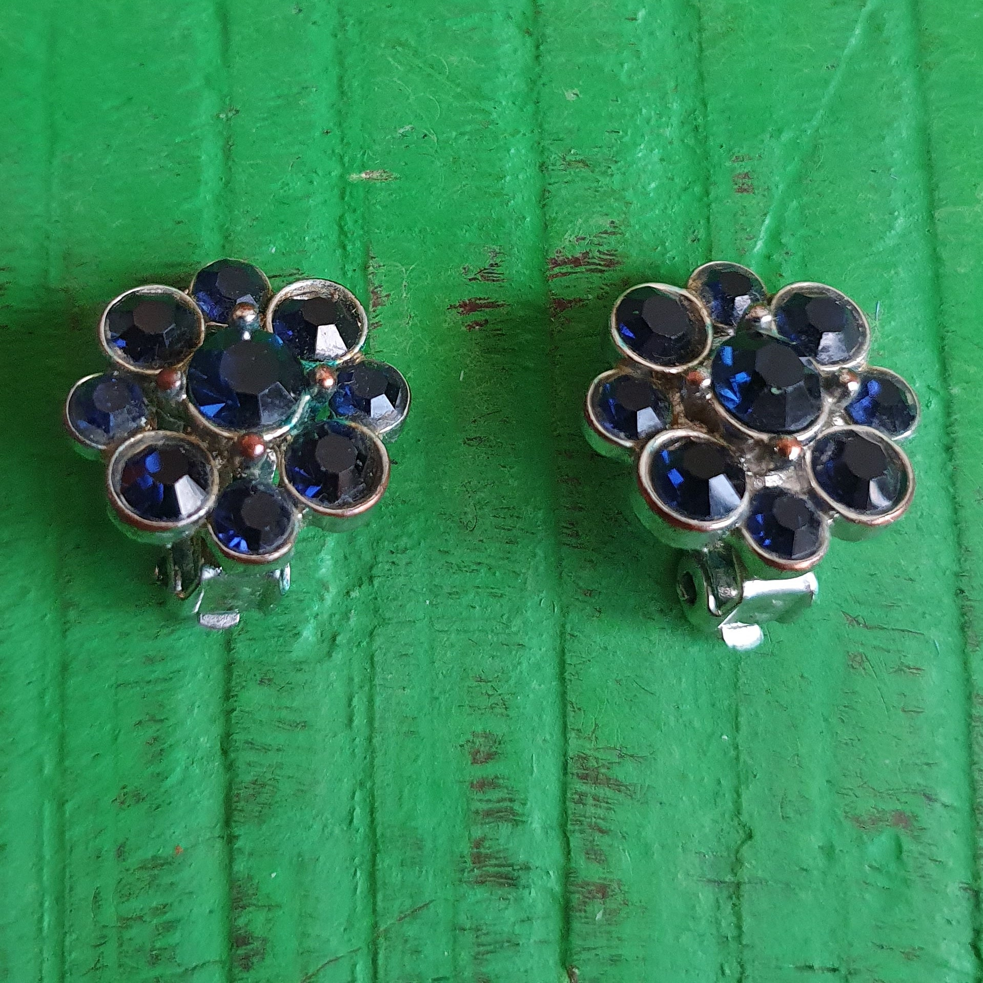 VINTAGE SAPPHIRE BLUE EARRINGS