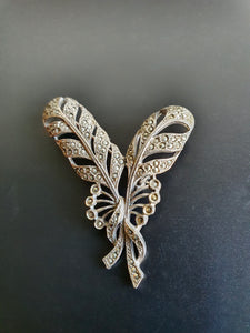 VINTAGE DIAMANTE BOUQUET BROOCH WITH MAKERS MARK