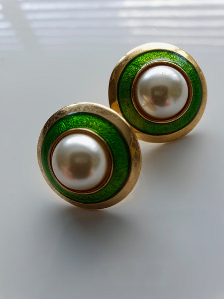 1980s PEARL GREEN AND GOLD CLIP ON EARRINGS