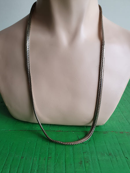 1970s SILVER TONE NECKLACE