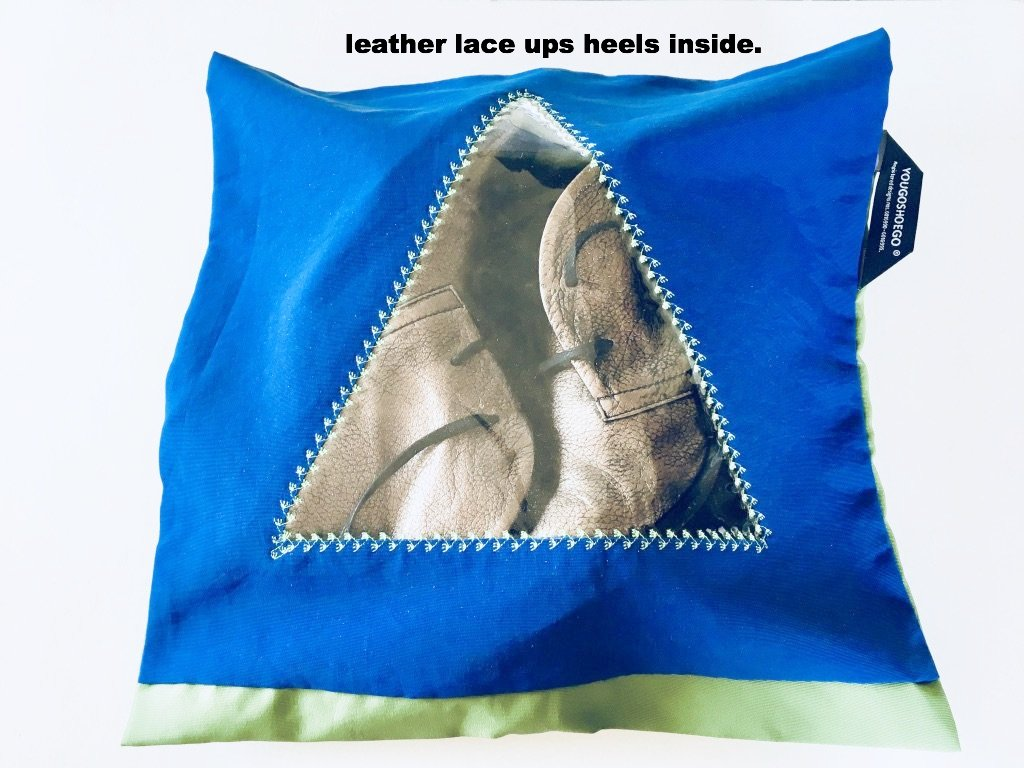 Pretty shoe pouch in blue and green with a triangular transparent window.