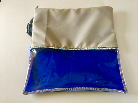 Shoe pouch with a horizontal window