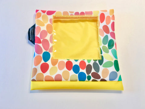 Children's shoe pouch for dance and sport with a square window