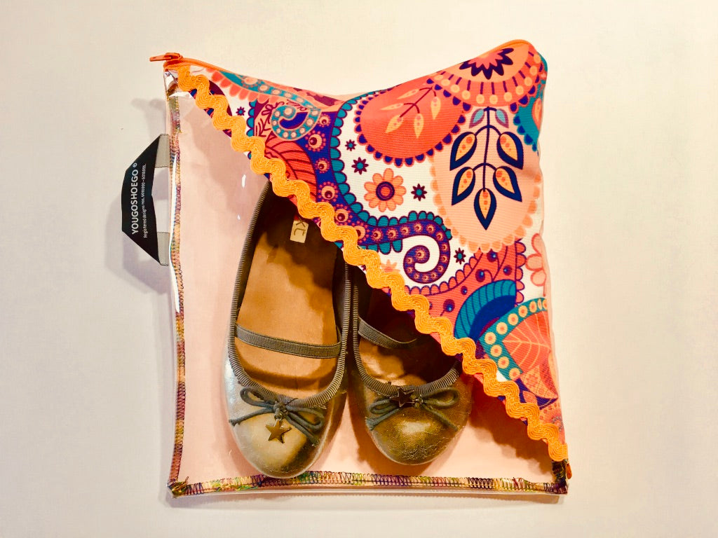 Children's shoe pouch with a diagonal window