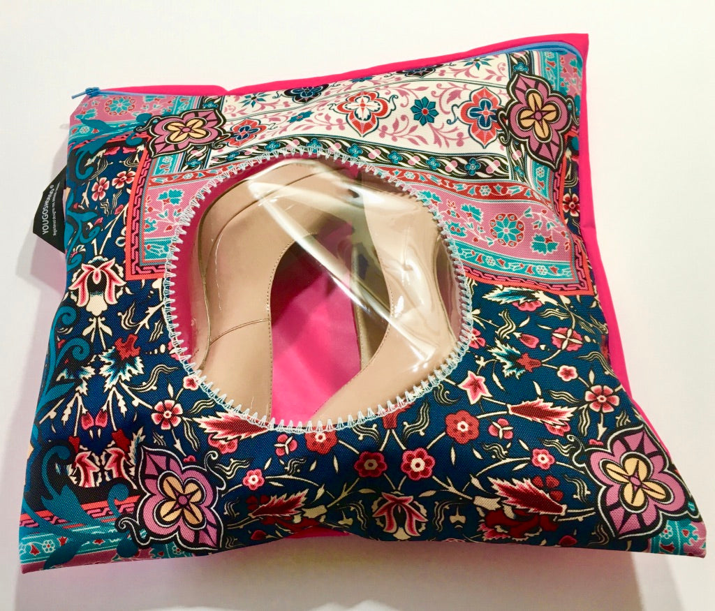 Patterned shoe pouch with a circular window