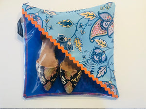 Patterned shoe pouch in light and royal with a diagonal window