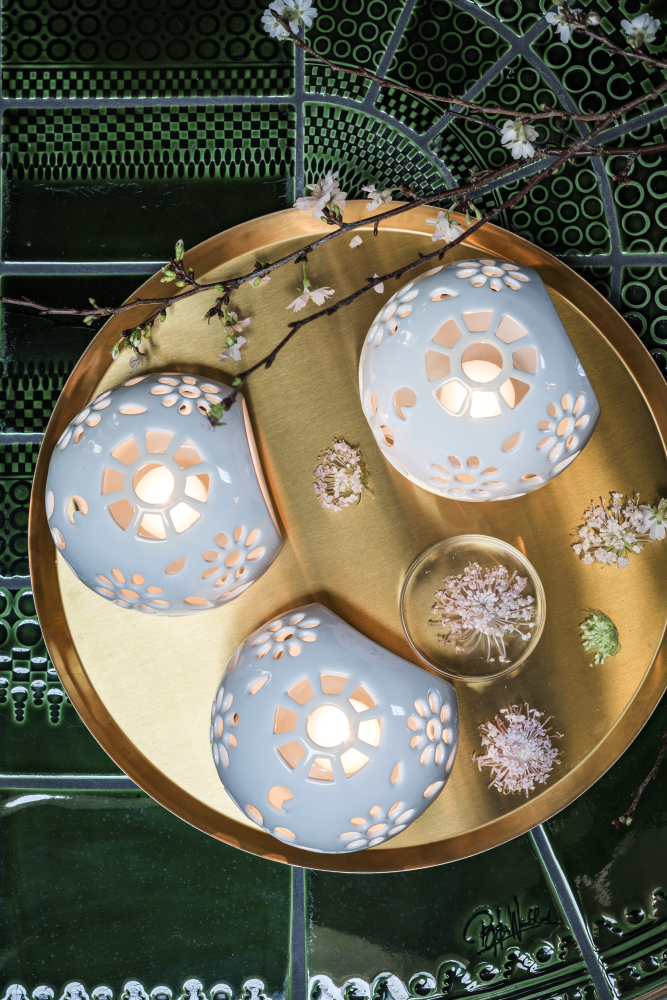 Handmade porcelain tea-light