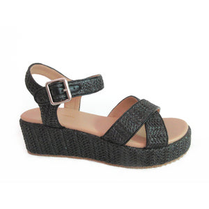 Lyla Wedge Straw