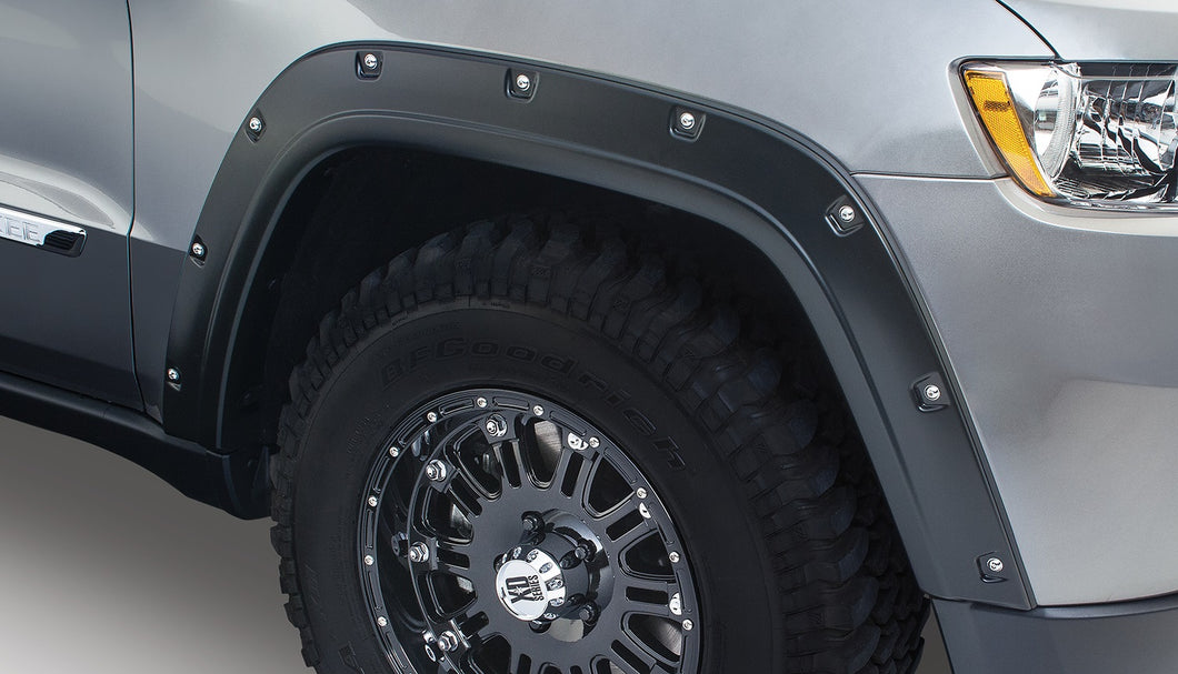 Bushwacker 11-18 Jeep Grand Cherokee Pocket Style Flares 4pc Does Not Fit SRT8 - Black
