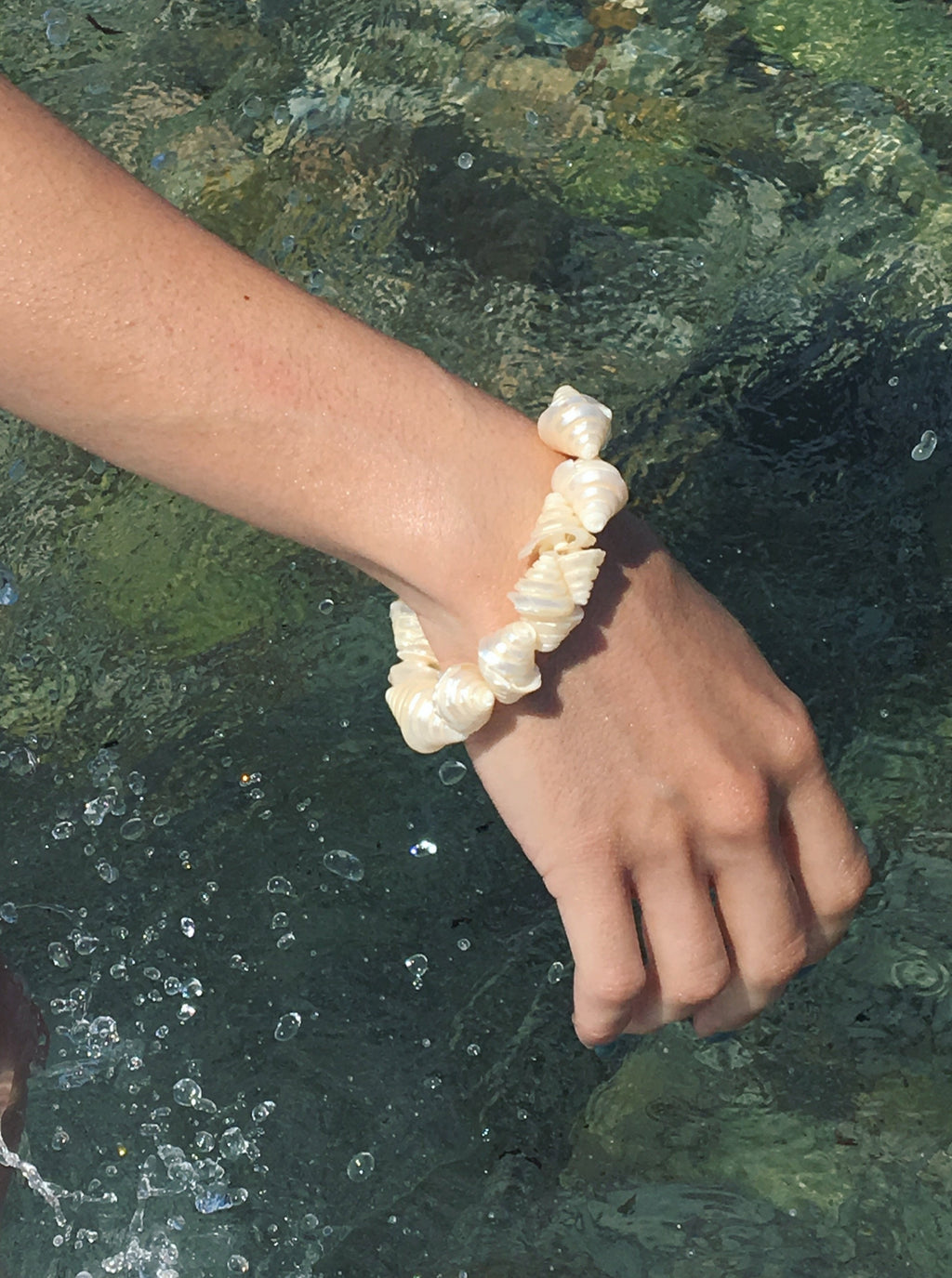 Handmade bracelet with seashells and 925 sterling silver clasps