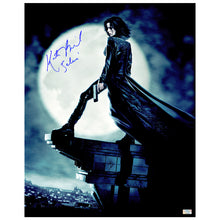 Load image into Gallery viewer, Kate Beckinsale Autographed Underworld Death Dealer 16x20 Photo