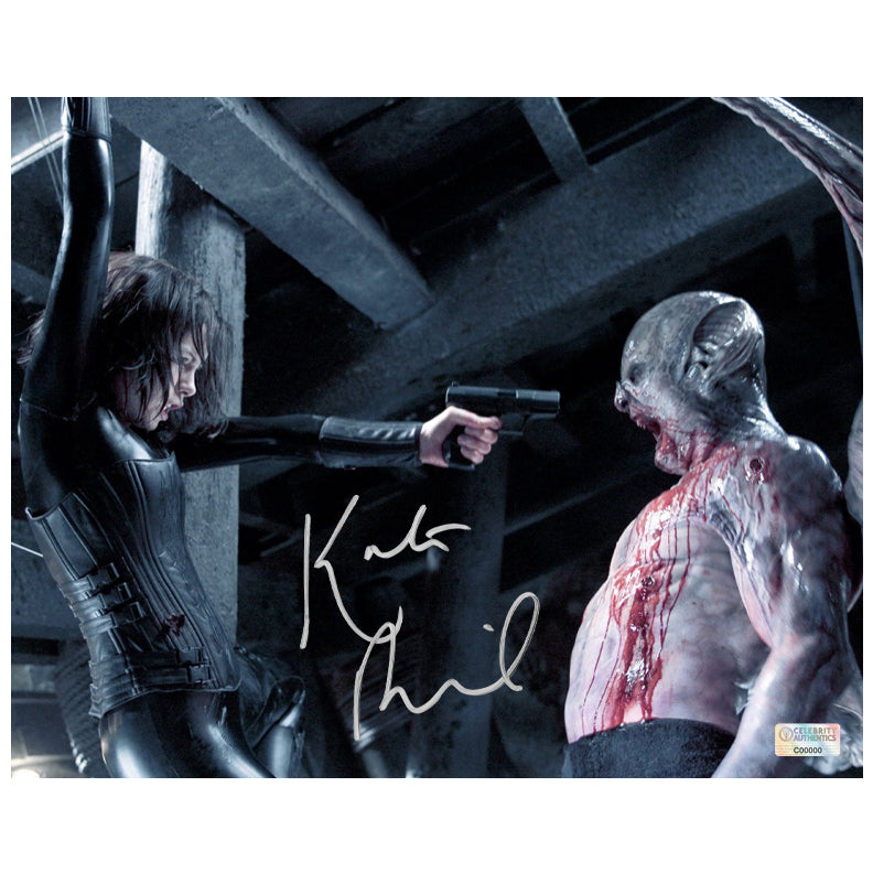 Kate Beckinsale Autographed Underworld Evolution Selene and Marcus 8×10 Photo
