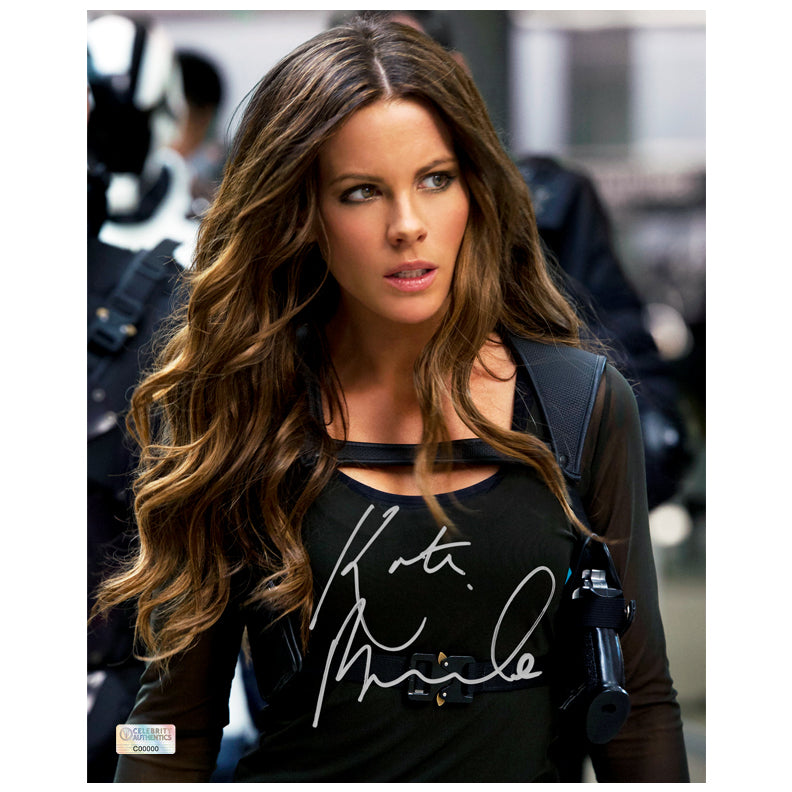 Kate Beckinsale Autographed Total Recall Lori Quaid 8×10 Photo