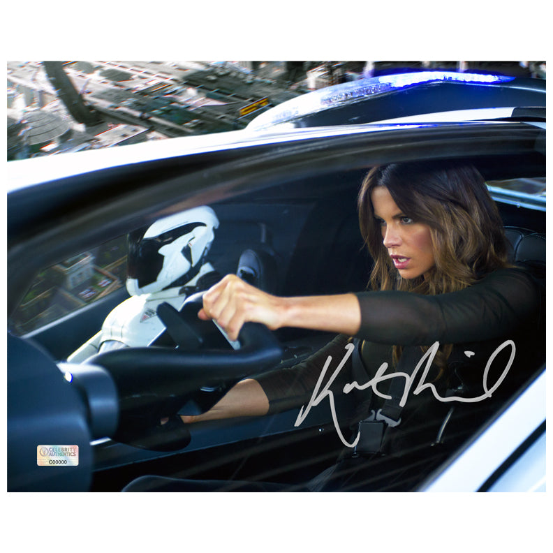 Kate Beckinsale Autographed Total Recall 8×10 Action Photo