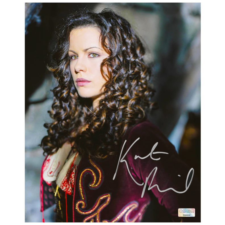 Kate Beckinsale Autographed Van Helsing Anna Valerious 8×10 Photo