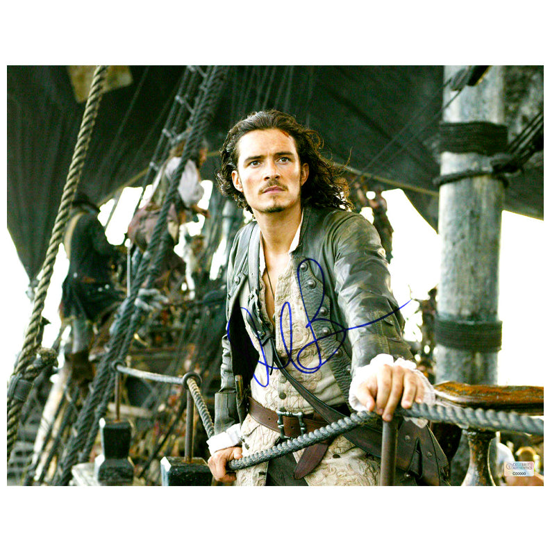 Orlando Bloom Autographed Pirates of the Caribbean Dead Man's Chest Will Turner 11x14 Scene Photo