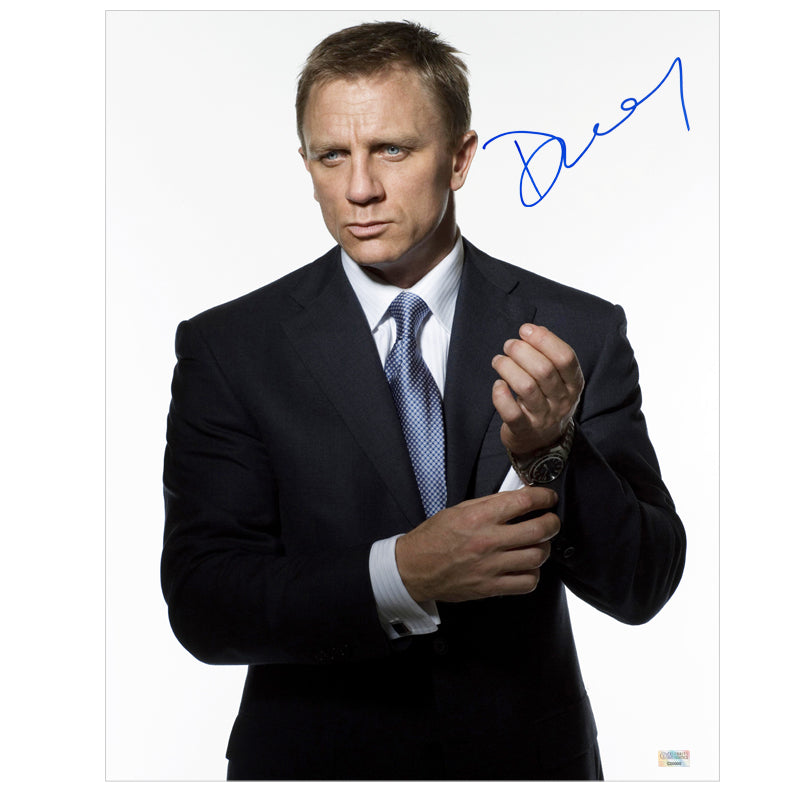 Daniel Craig Autographed Casino Royale James Bond 007 16x20 Photo