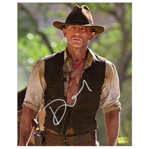 Daniel Craig Autographed Cowboys And Aliens 8x10 Scene Photo