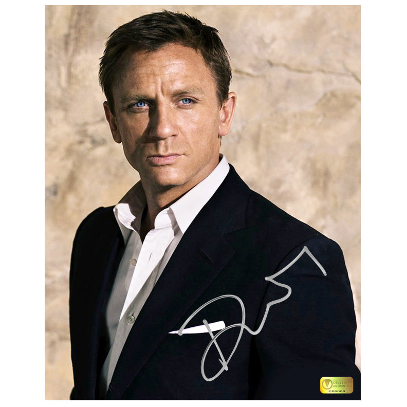 Daniel Craig Autographed James Bond 8x10 Photo