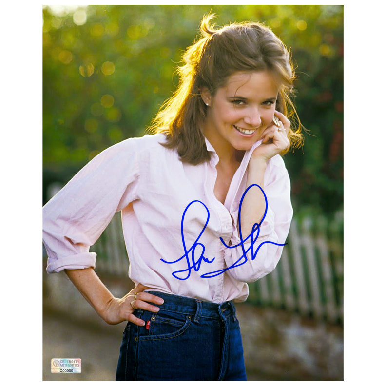 Lea Thompson Autographed Garden 8x10 Photo